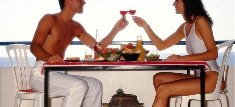 Он, она и алкоголь — третий лишний