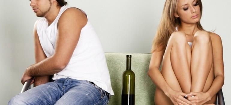 Лечение алкоголизма дому: когда помощь звонит в дверь
