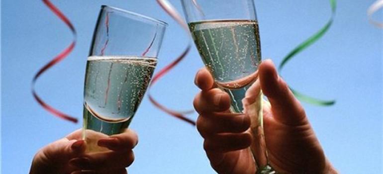 Не знаете, что подарить на Новый год и майские? — Дарите вывод из запоя!