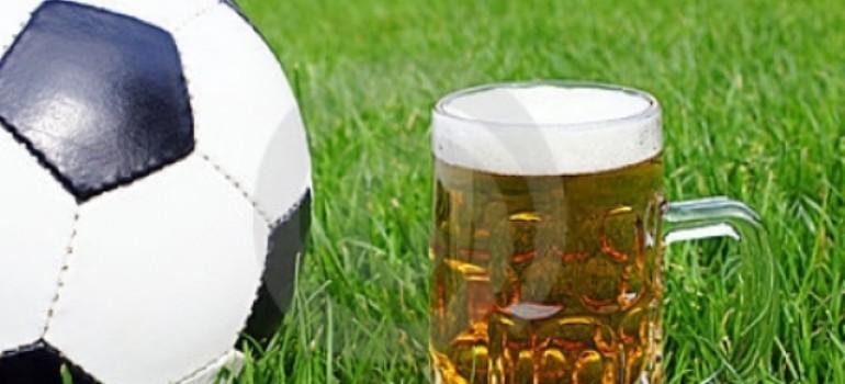 Футбольные матчи и пиво — вместе или порознь?