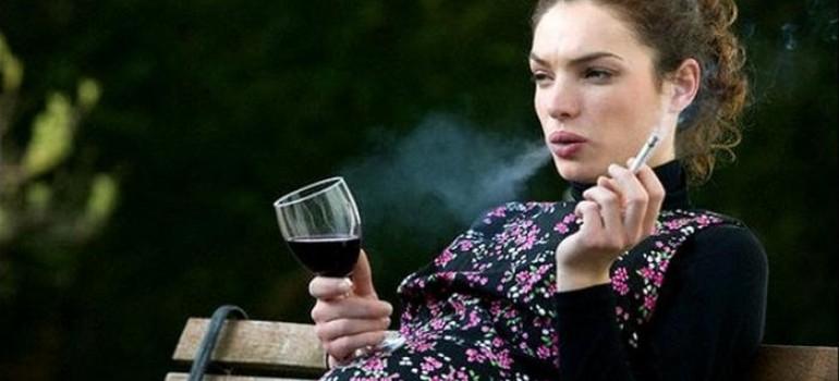 Разве можно курить во время беременности?! – Не ставь экспериментов на себе и ребёнке!