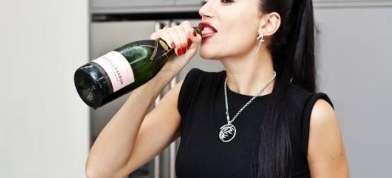 Дочь пьет: причины и последствия