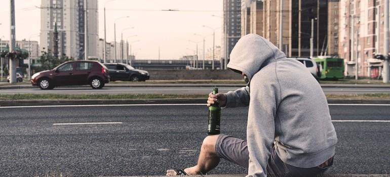 Ученые: Спиртное пробуждает гомофобию