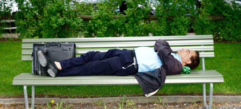 Даже незначительная доза алкоголя снижает качество сна