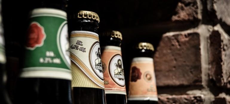 Российские власти предлагают уравнять пиво с водкой