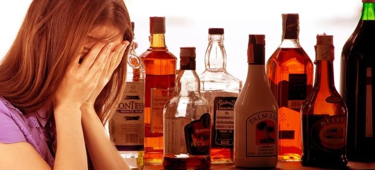 Почти треть от всех больных алкоголизмом в Петербурге — женщины
